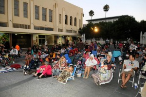 Movies on Main crowd 2013